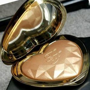 ❤Too Faced⭐Love Light⭐Prismatic Highlights Bronzer